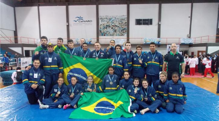 Bruna Ellen é campeã sul americana pela seleção brasileira de sanda