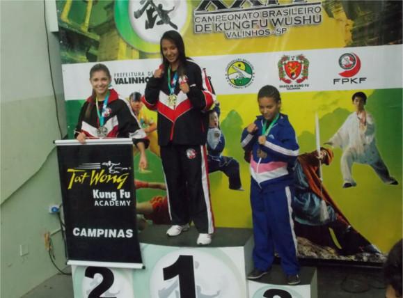 bruna ellen e vice-campeã no campeonato brasileiro de sanda kung fu 2013